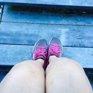 Running Shoes (skechers original)