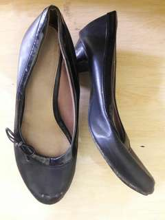 Preloved Sepatu Kerja Warna Hitam Pantopel Size 38 Import