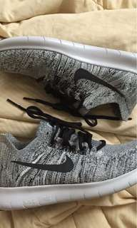 Nike Flyknit (REPRICED)