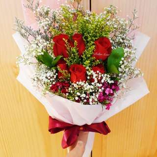6 stalk roses bouquet