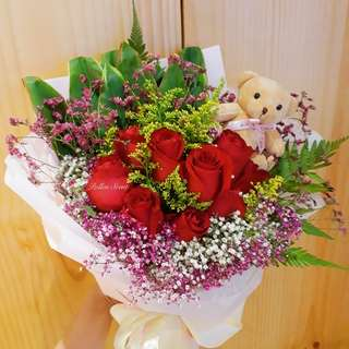 9 stalk roses bouquet