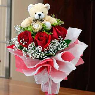 [FREE DELIVERY] 3 Red Roses with Mini-bear & Ferrero Rocher Hand-bouquet (006-BR)
