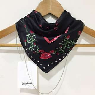 Stradivarius floral w/ studs and chain scarf