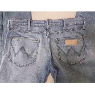 B1G1 Wrangler Jeans