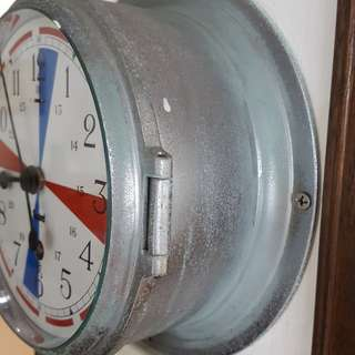 British navy Sestrel (UK) antique ship radio room clock, hand winding.