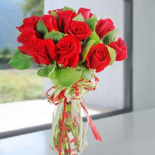 [FREE DELIVERY] 12 Red Roses with Mint Leaves Standing-bouquet (058-RR)