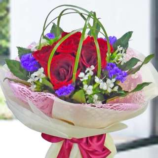 [FREE DELIVERY] 6 Red Roses Hand-bouquet (002-RR)