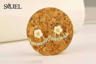 Buy1get one SMJEL 2017 Fashion Jewelry Cute Cherry Blossoms Flower Stud Earrings for Women Several Peach Blossoms Earrings  S129