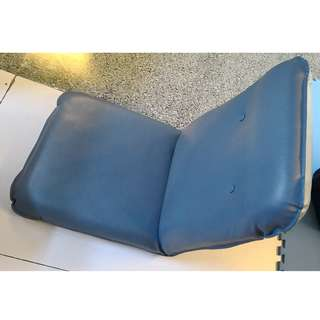 Foldable chair for use in vans or home