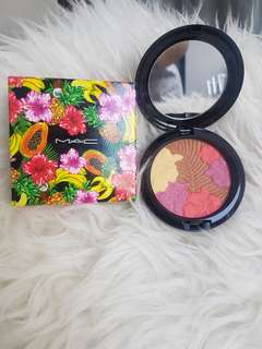 LIMITED EDITION! MAC Pearlmatte Face Powder (Oh My Passion)