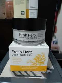 Natural pacific fresh herb origin facial cream