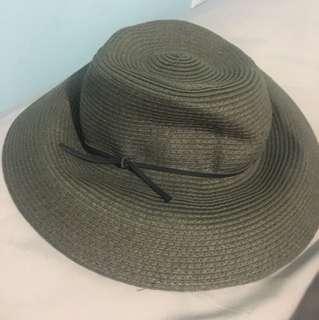 Aritzia summer hat