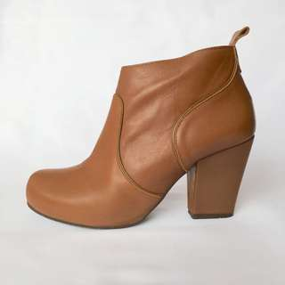 Nu by Neo Sz 40 Ankle Boots