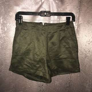 Army Green Highwaisted shorts