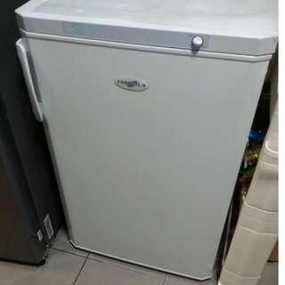 Farfalla Upright deep freezer
