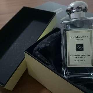 Jo Malone Perfume Nectarine Blossom and Honey