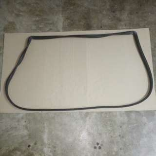 PERODUA RUSA WEATHERSTRIP WINDSCREEN FRONT REPLACEMENT PART