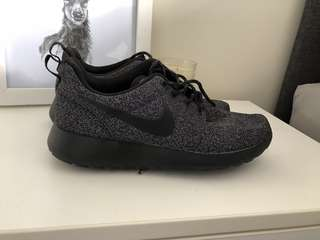 Speckled Nike Rosche