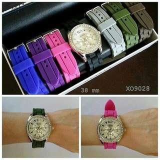 XOXO Women's XO9028 silicone strap watch set