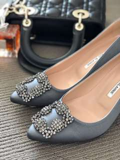 Manolo crystal heels size 37