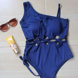 Swimsuit👙One Piece