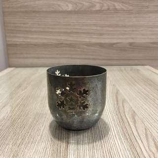 Metal snowflake cup