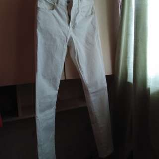 UNIQLO Comfortable White Pants Size 29