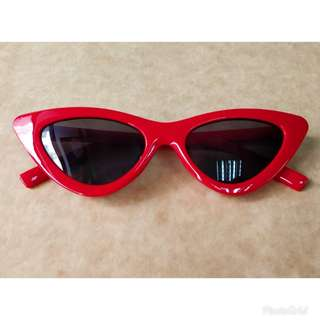 Red Cat Eyes Sunnies