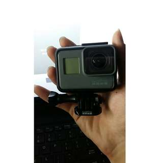 GOPRO HERO 5 BLACK EDITION -CONDITION TIPTOP- ONLY CAMERA CAN CASING