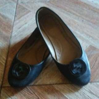 Black plat shoes