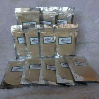 Bentonite clay W/ Natural Scrubs