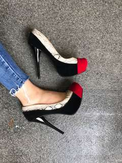 Charlotte Russe High Heels / 39
