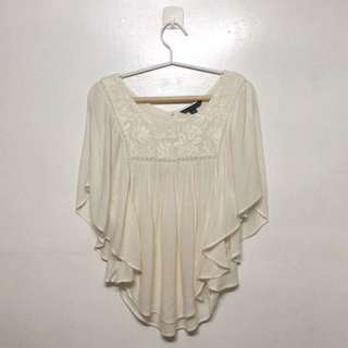 American Eagle O. Batwing Embroidered Cream Top
