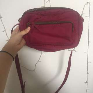 MOOZEE SLING BAG