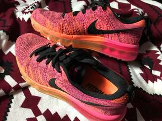 Nike Women Flyknit Air Max Running Shoe