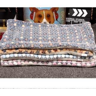 88雜貨鋪 寵物用品 寵物加厚珊瑚絨羊羔絨雙面睡墊 保暖狗窩床墊 貓狗用品