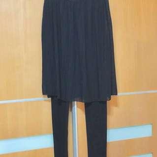 韓國棉質百摺紗裙褲,自由碼黑色, 質地厚身適合秋冬穿著。