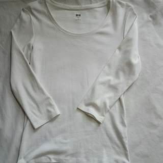 Uniqlo 3/4 white top