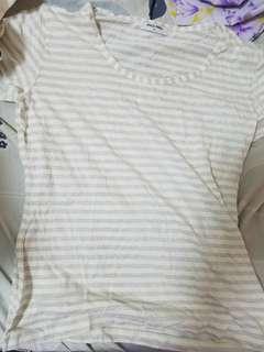 銀白色間條Tee shirt