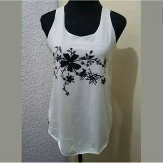 WA571 Sleeveless Blouse with Floral Prints Med (Mint Condition)