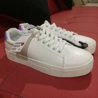 H&M white platfrom sneakers hologram
