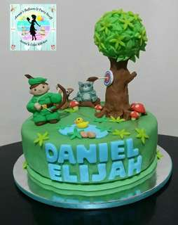 Robin Hood Theme Fondant Cake
