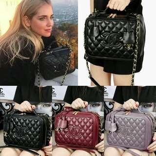 CHANEL CC Filigree Vanity Celebrity Bags Lambskin