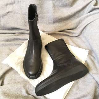 Leather Boots size 40(for size 39)