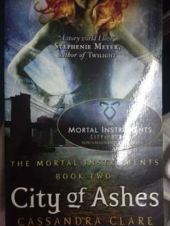 City of Ashes (The Mortal Instruments 2nd book)