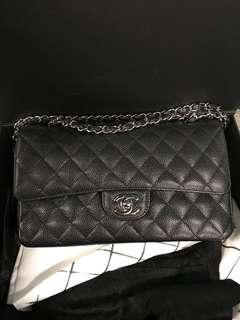 Chanel 經典款25cm 荔枝皮銀扣