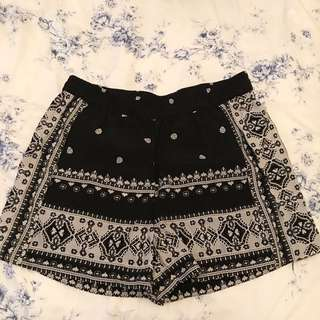Witchery print shorts