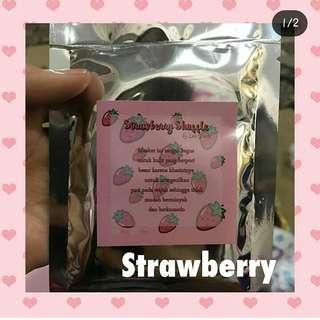 Strawberry shuffle facemask