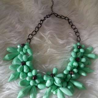 Flowery Necklace Turquois, Kalung wanita bunga bagus