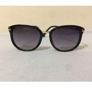 🚚 氣質 墨鏡 太陽眼鏡 漸層灰 細框 女用 金屬角